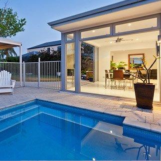 Construction piscine comparez les prix recevez 4 devis gratuits for Piscine devis